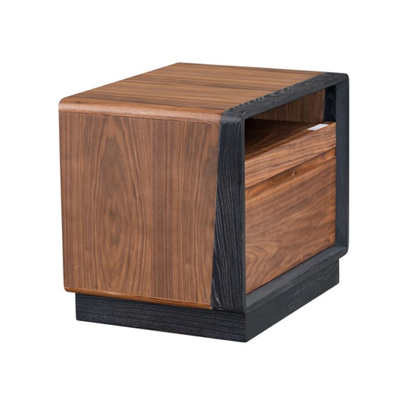 宝居乐意式实木轻奢床头柜SP301